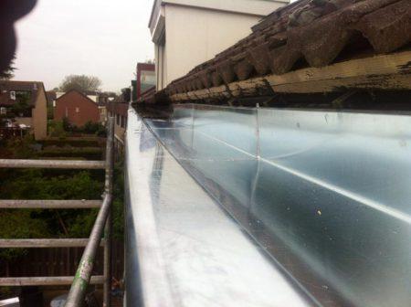 dakgoot in voorschoten dakwerken dakbedekking